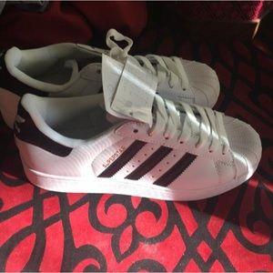 Adidas superstar black stripes size 8